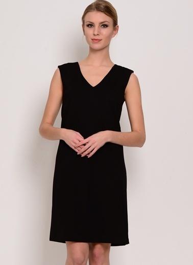 House Of Camellia V Yaka Kolsuz Düz Elbise Siyah